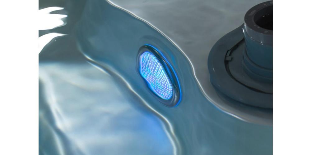 Perchè usare l'ozonizzatore per minipiscine idromassaggio