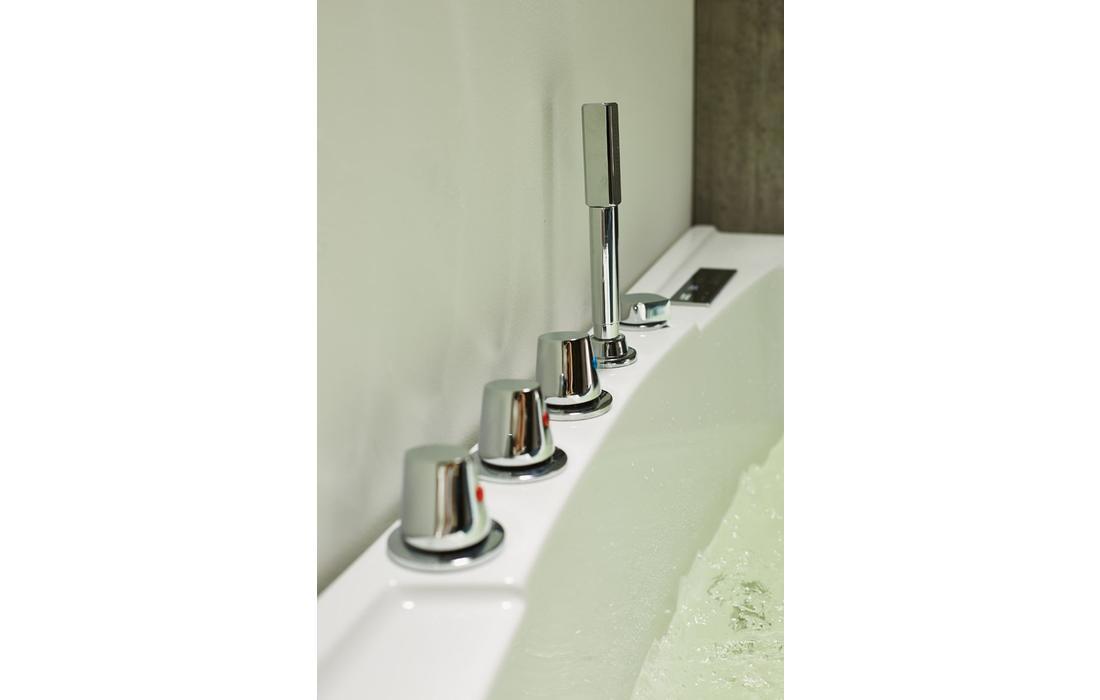 vasca idrmassaggio capraia dettaglio oblò