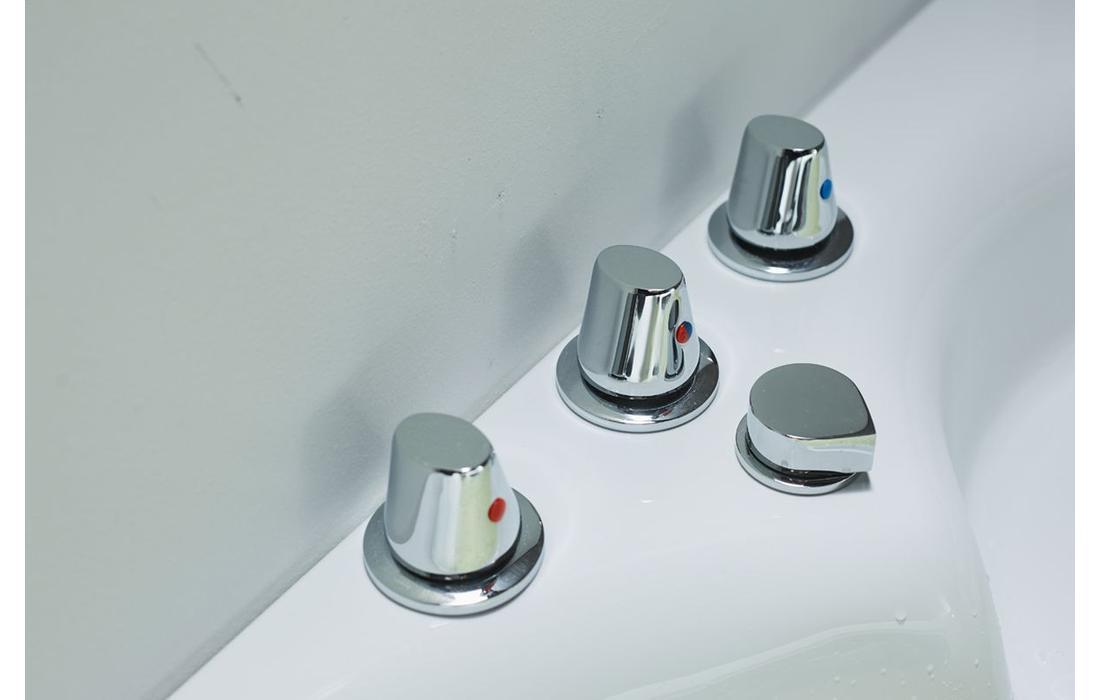 vasche idromassaggio milano dettaglio rubinetteria 2