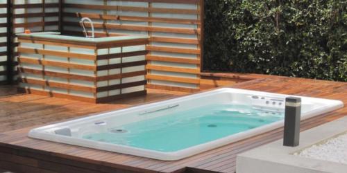 Come installare una minipiscina nuoto controcorrente