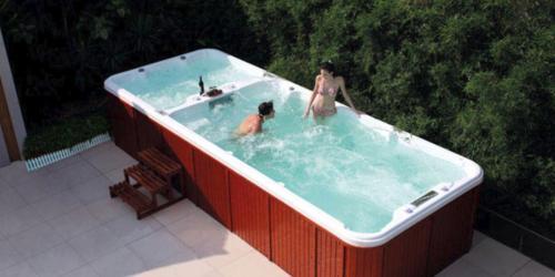 Come funziona una minipiscina per il nuoto controcorrente