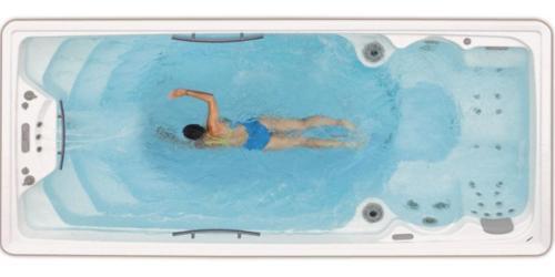 I vantaggi del nuoto controcorrente